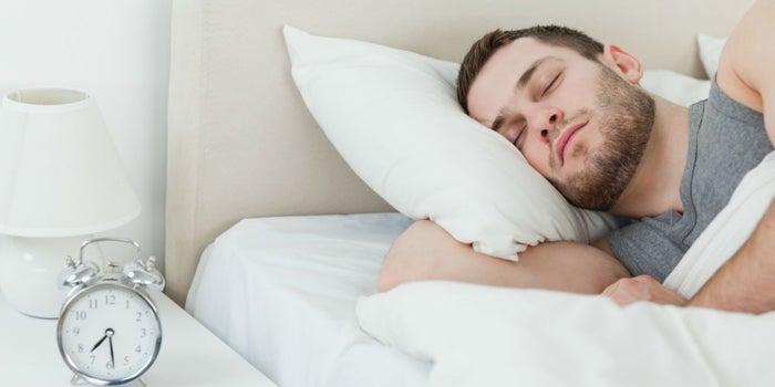 Qué debes evitar para dormir bien