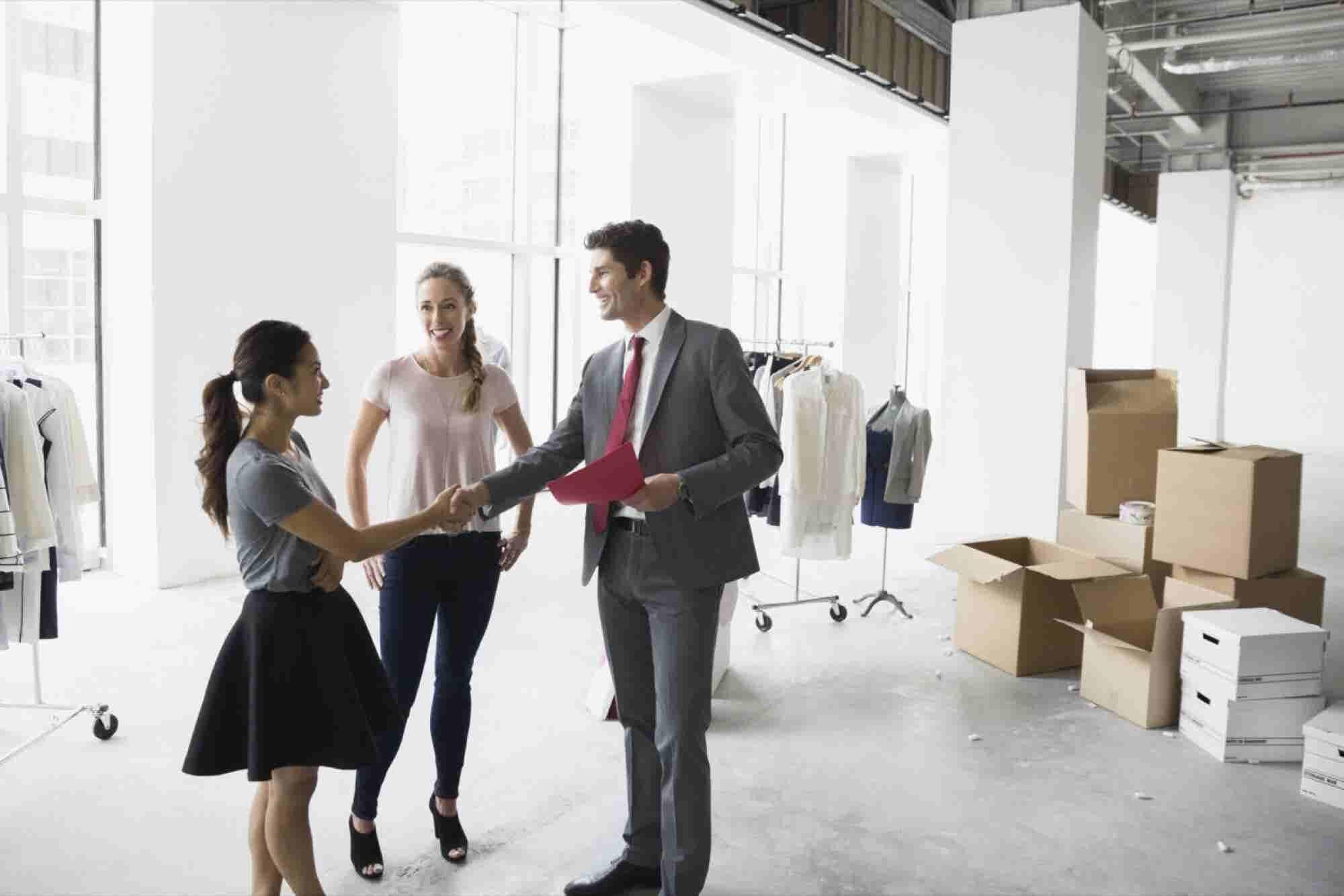 2 Roadblocks to Successful Leadership Transitions