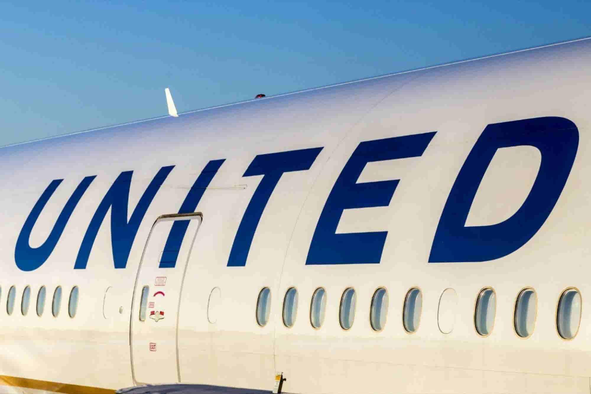 Qué puede hacer United Airlines para frenar el sangrado en su reputación
