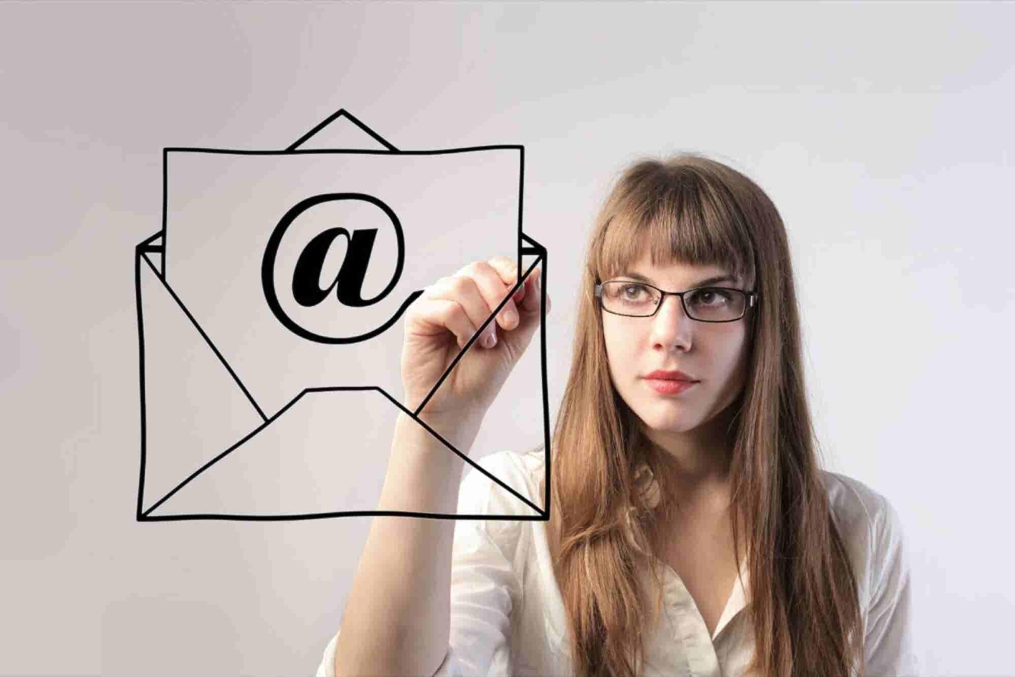 Haz emails de 5 oraciones