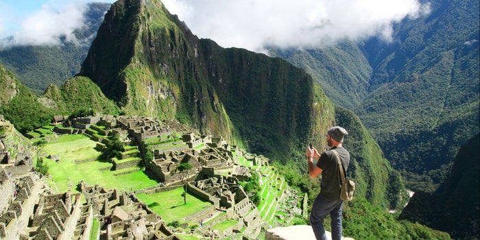 7 Reasons Why Spending Money on Experiences Makes Us Happier Than Buying Stuff