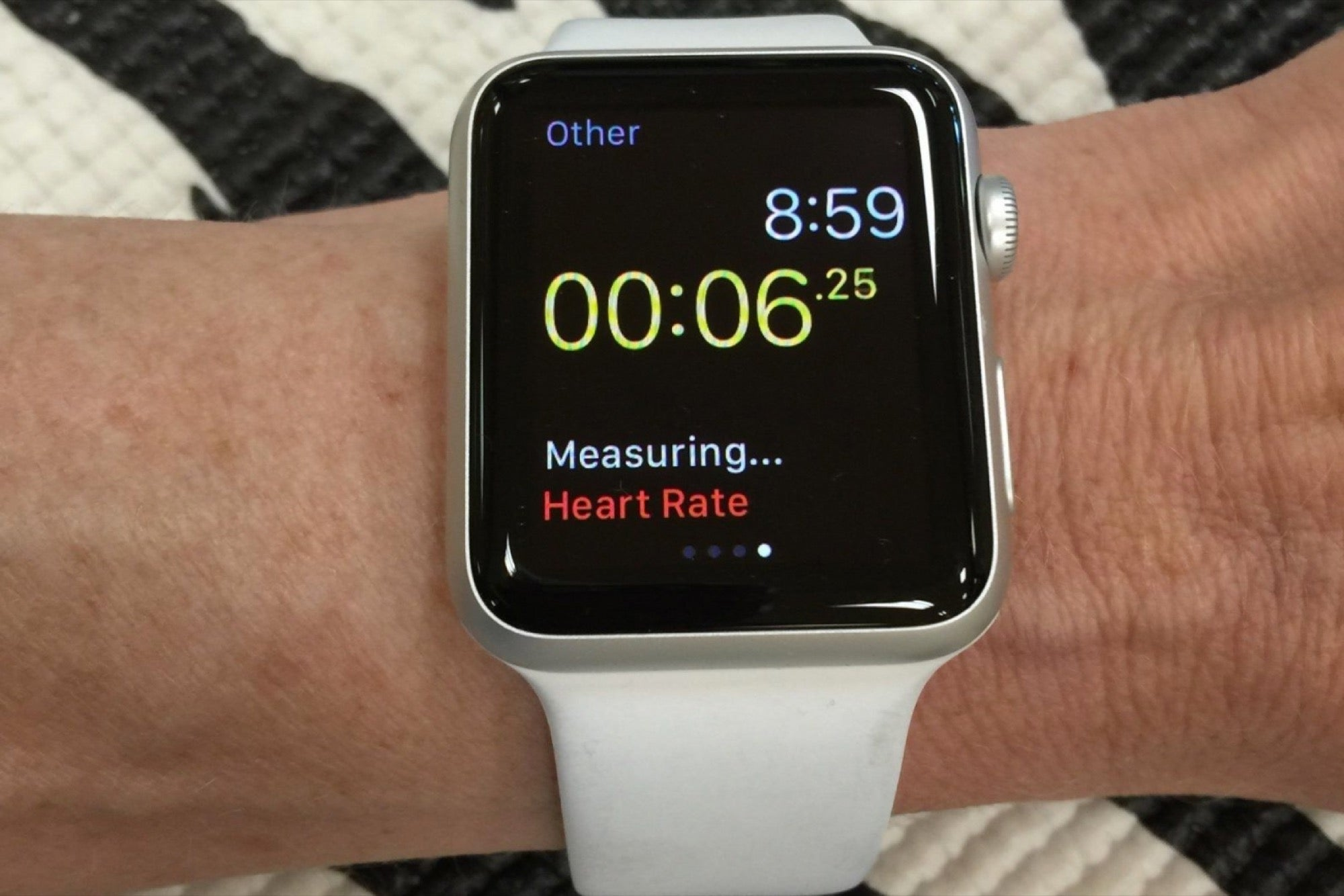 AI-equipped Apple Watch Can Detect Irregular Heartbeat and ...