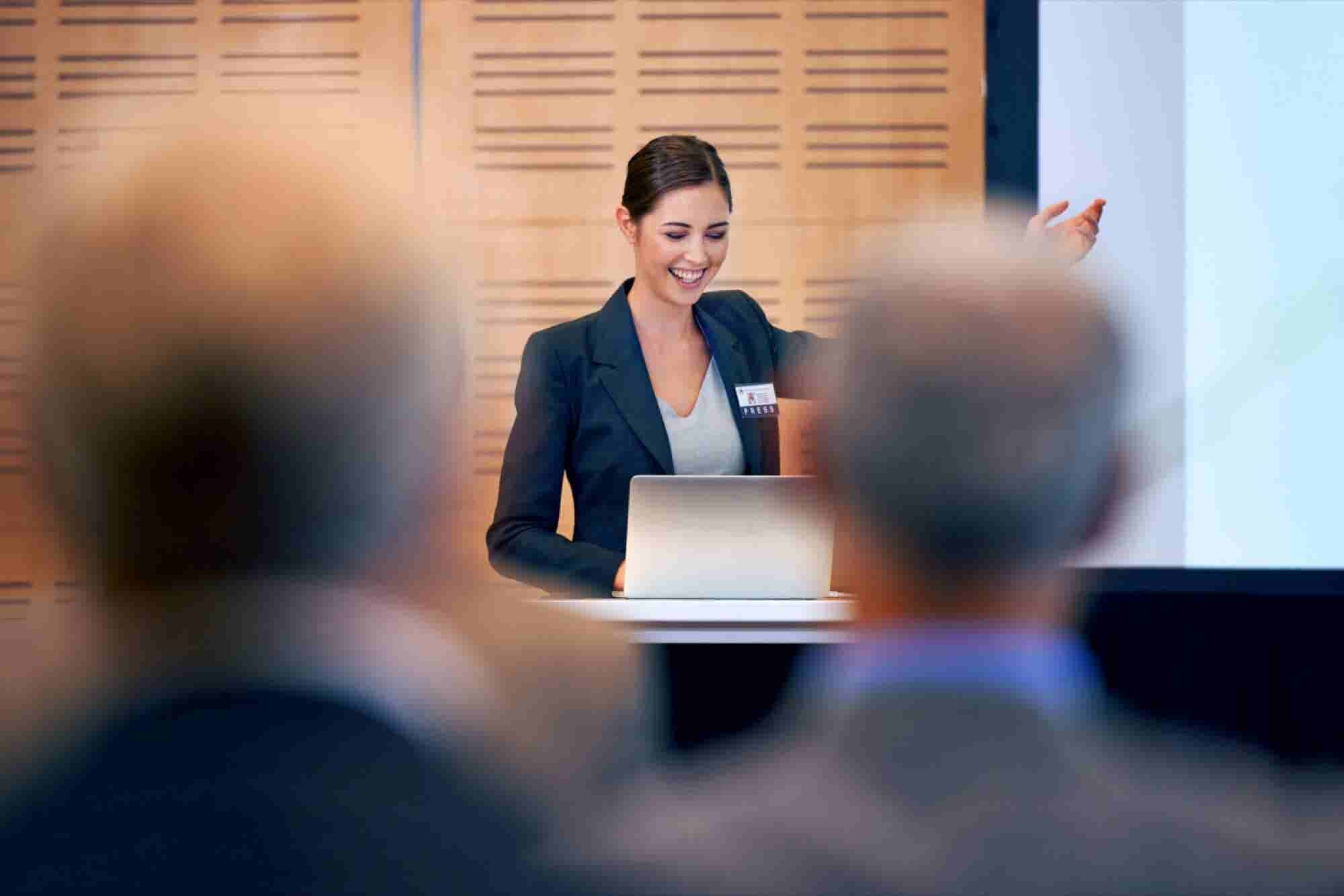 6 Foolproof Methods to Fearless Public Speaking