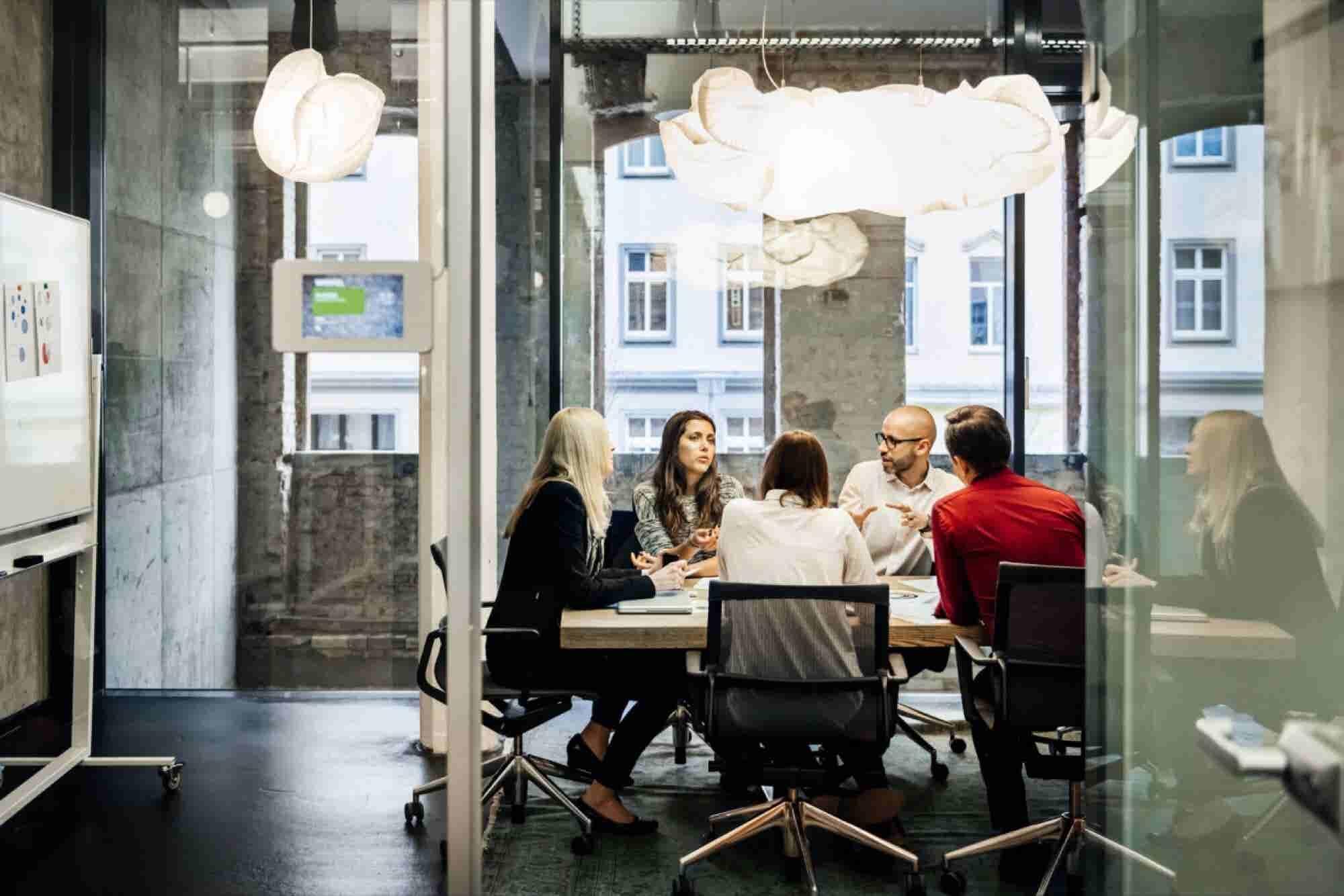 3 Ways Effective Communicators Structure Unforgettable Messages