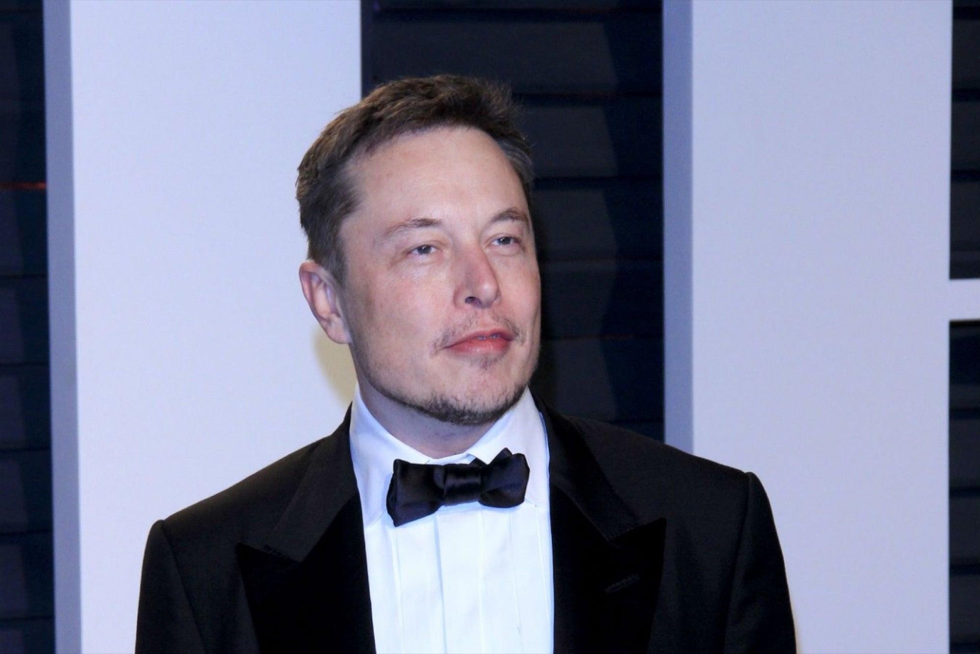 El CV de Elon Musk es de una página, ¿el tuyo debería ser igual?