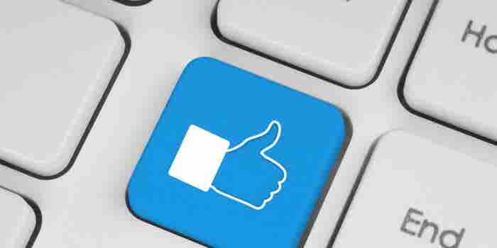 Multan a un hombre por darle Like a comentarios de Facebook