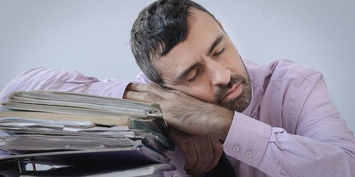 ¿Eres un procrastinador crónico? Estas actitudes te delatan