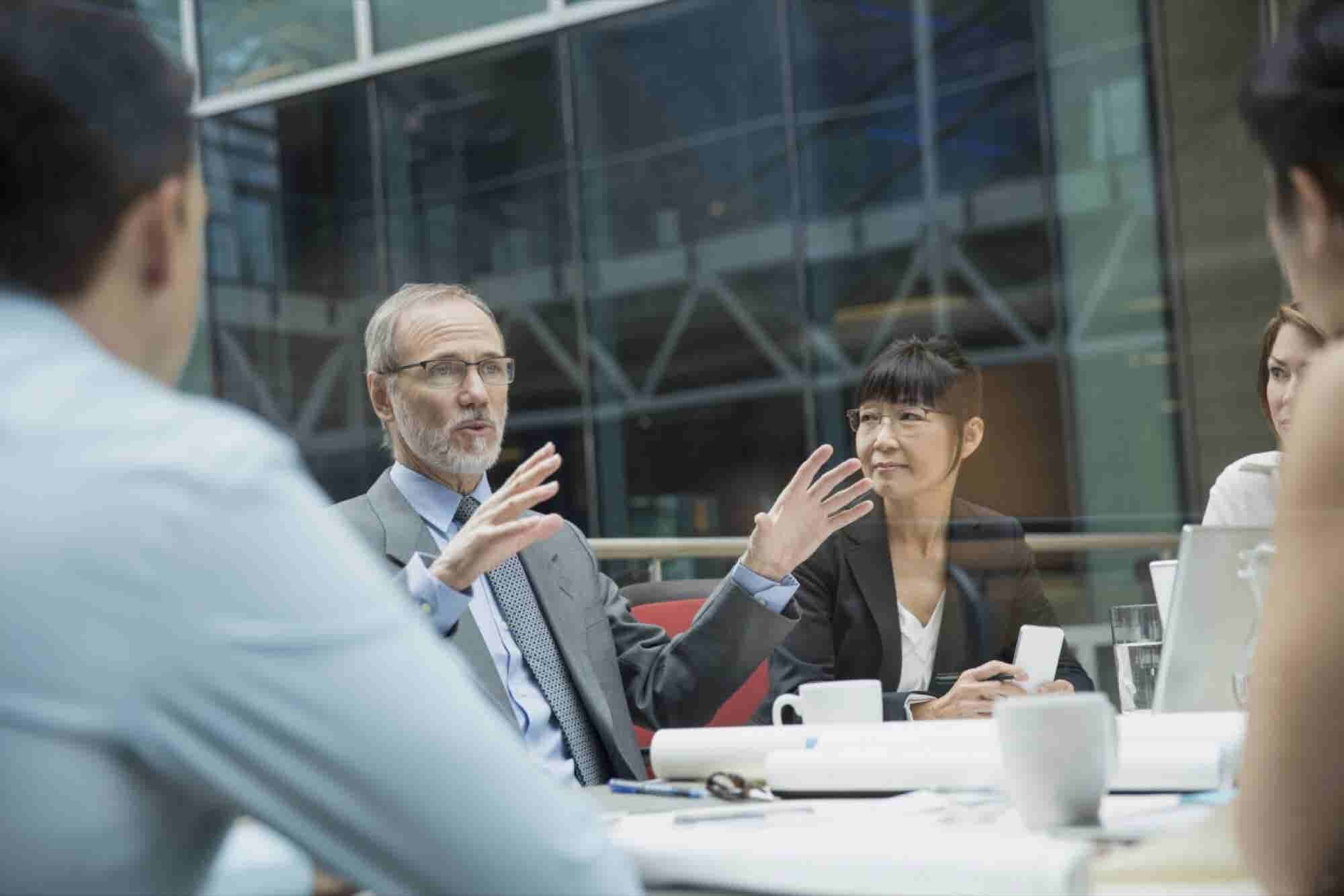 10 Ways Leaders Think Differently