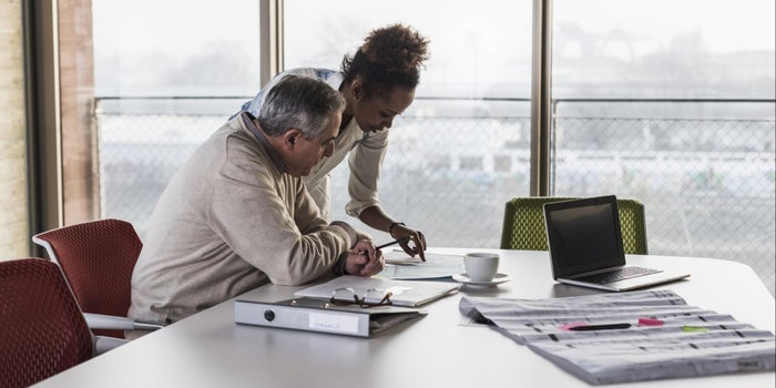 4 Reasons You Need a Mentor Who Is Younger Than You