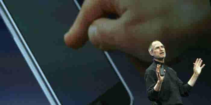 Steve Jobs engañó a una habitación llena de reporteros (y cambió al mundo en el proceso)