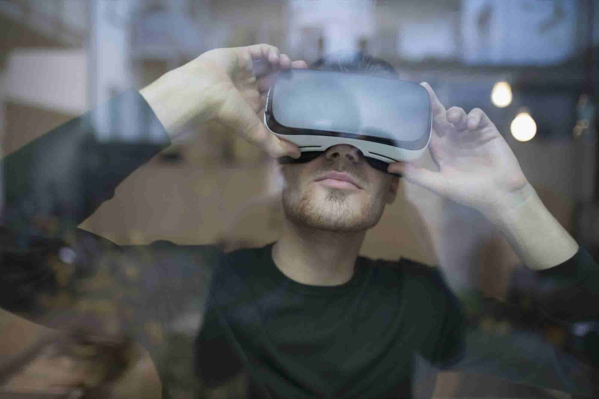 8 Industries Being Disrupted by Virtual Reality