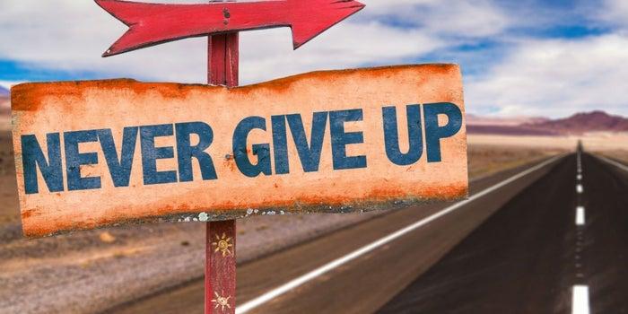 Dos acciones que debes tomar para no decaer en tu camino emprendedor