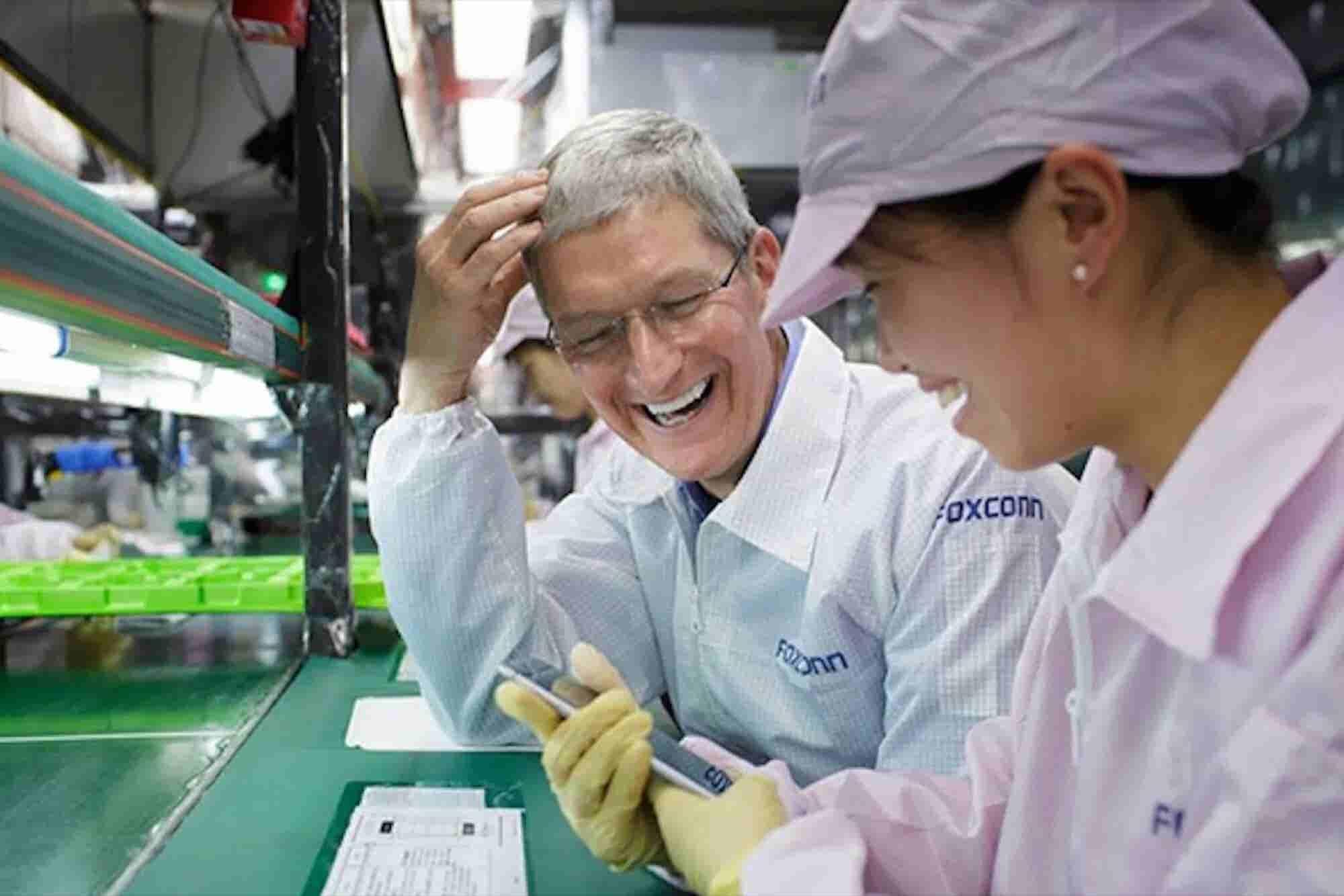 Trump: Apple to Build '3 Big Plants' in U.S.