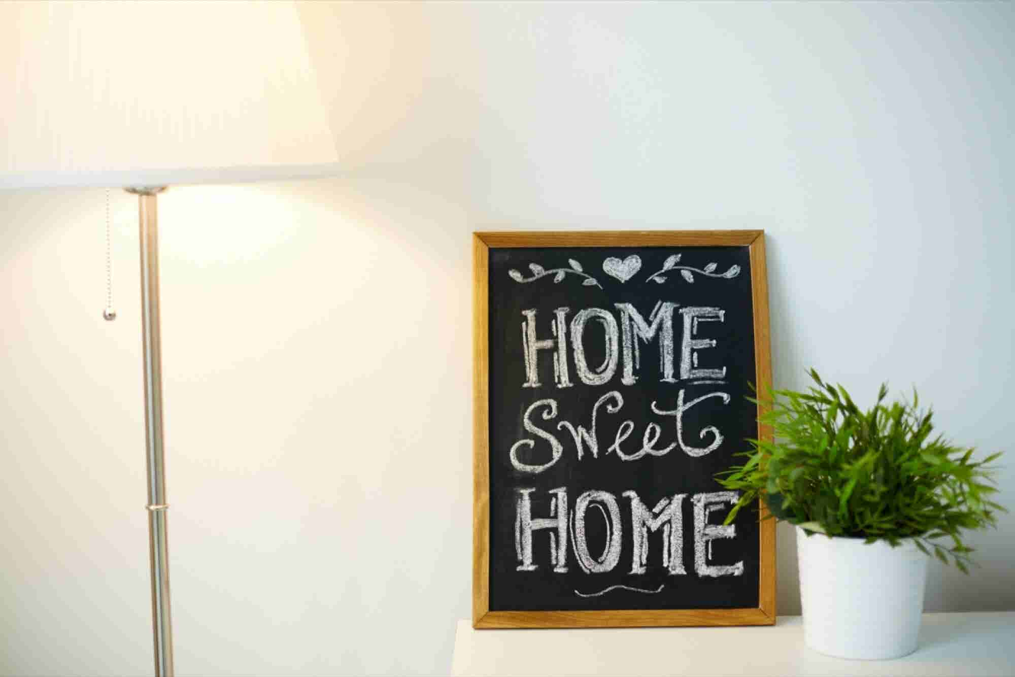 How Home Decor E-marketplaces are Relying on Brick and Mortar Models for Revenue
