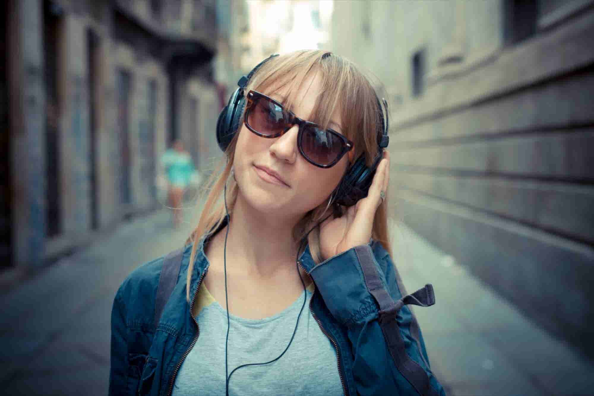 10 Songs You Must Listen To Stay Motivated
