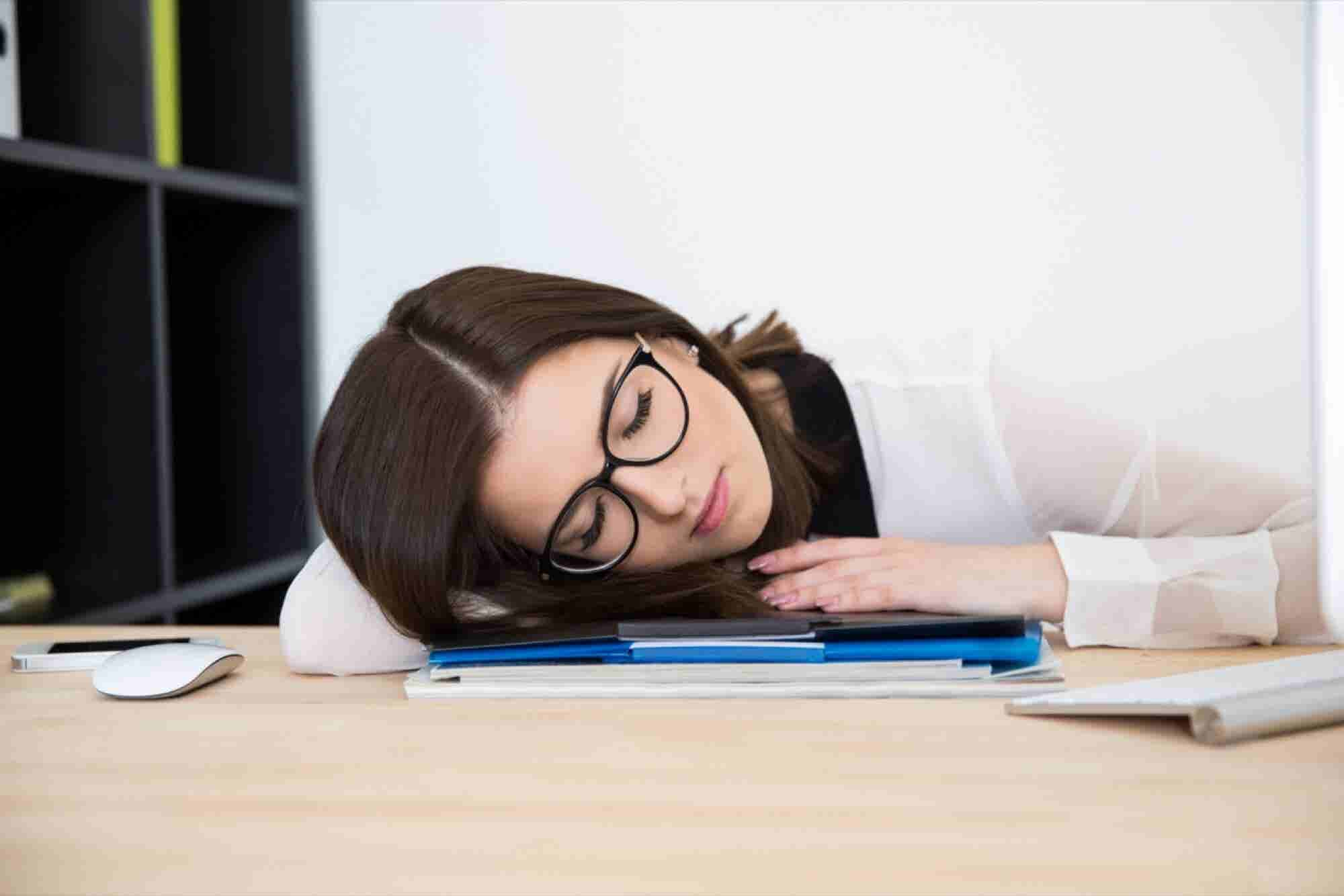 Most People Are Failing to Get the Right Amount of Sleep, Survey Says