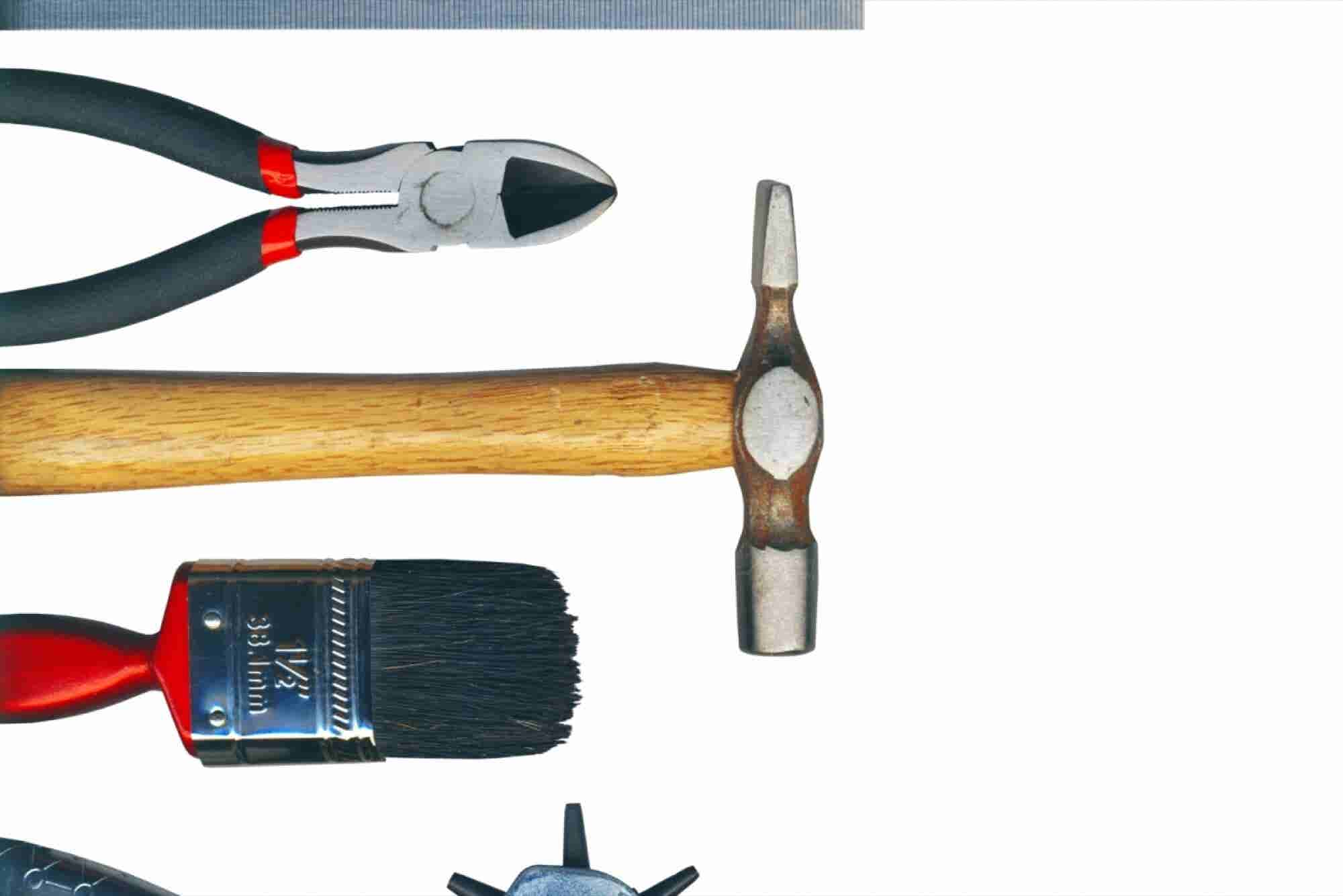8 DIY Tools You Need to Get Your Business off the Ground