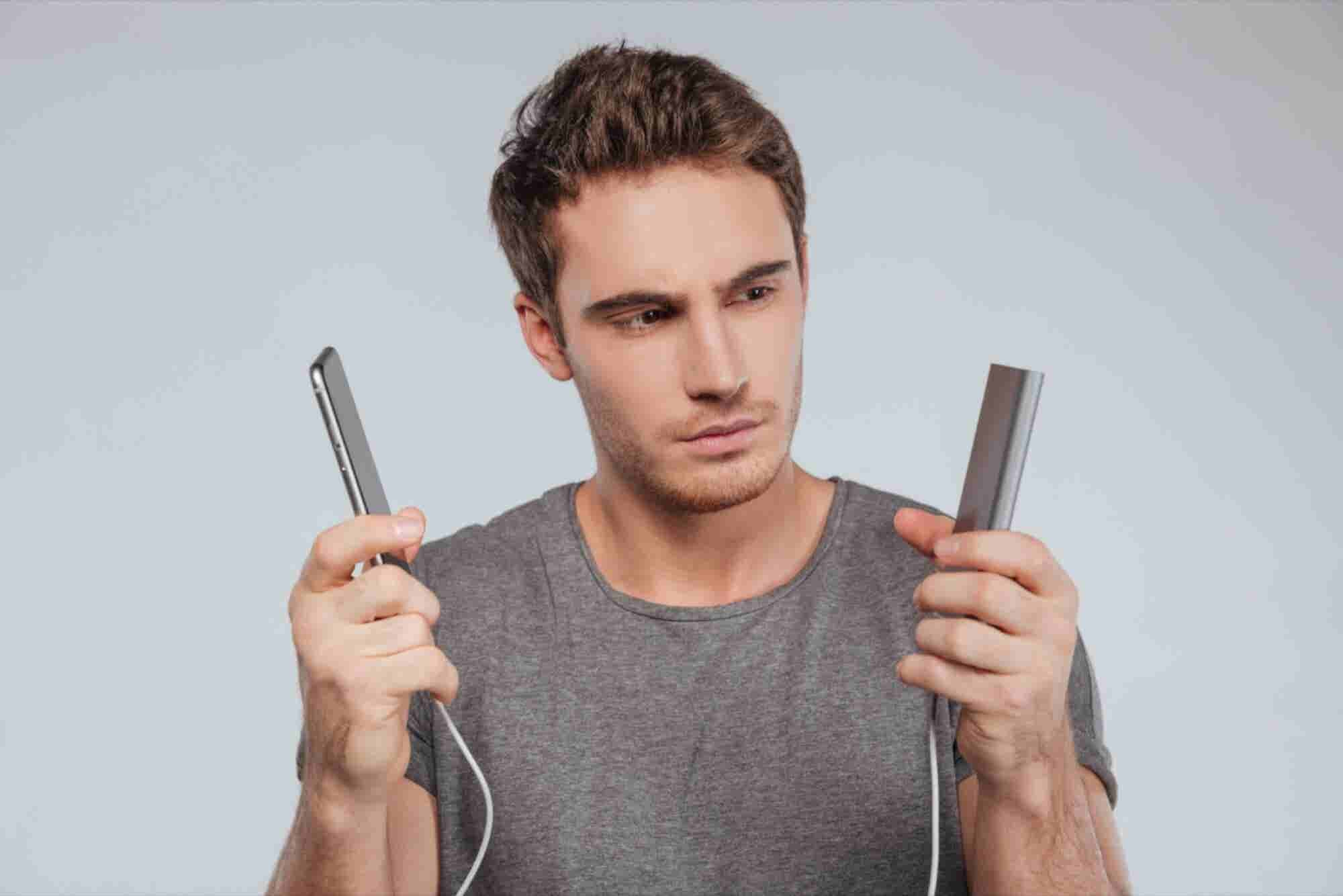 4 Things To Ascertain While Buying Your Mobile Business Tool