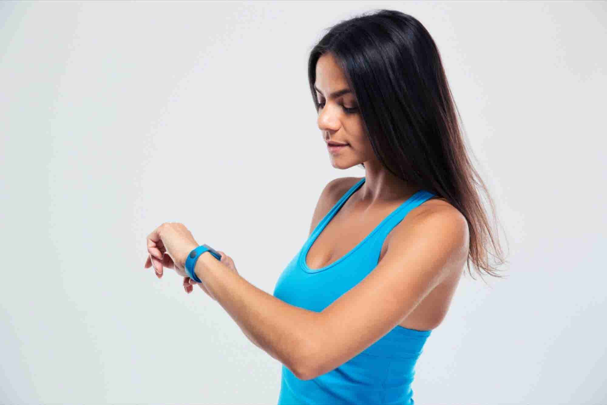 How Fitness Devices are Helping People Meet their Social Needs