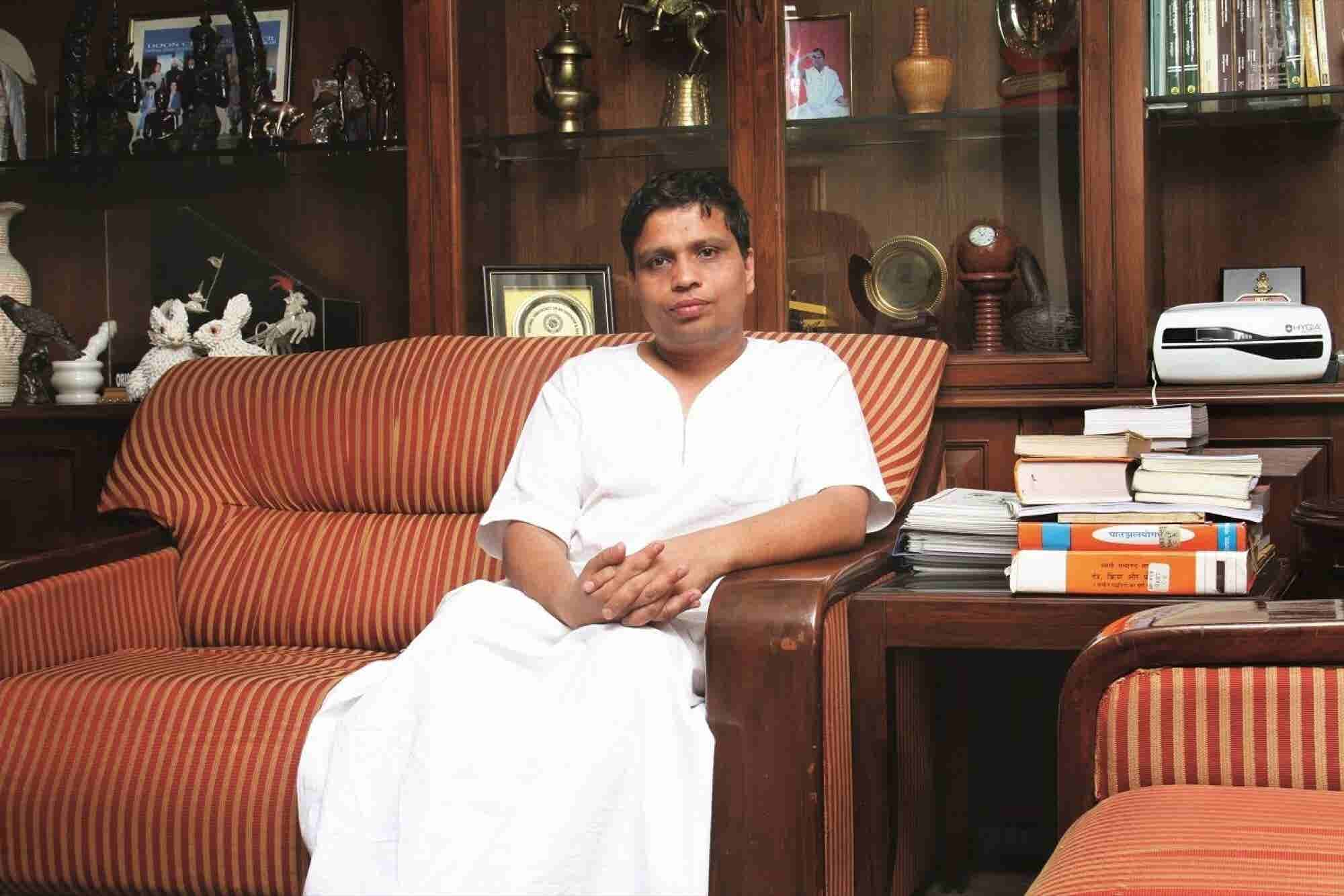 This Kurta-dhoti Clad CEO is Now Among the Richest