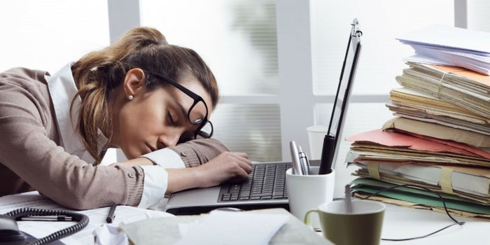 5 cosas que debes hacer para no sentirte tan cansado (y terminar tus pendientes)
