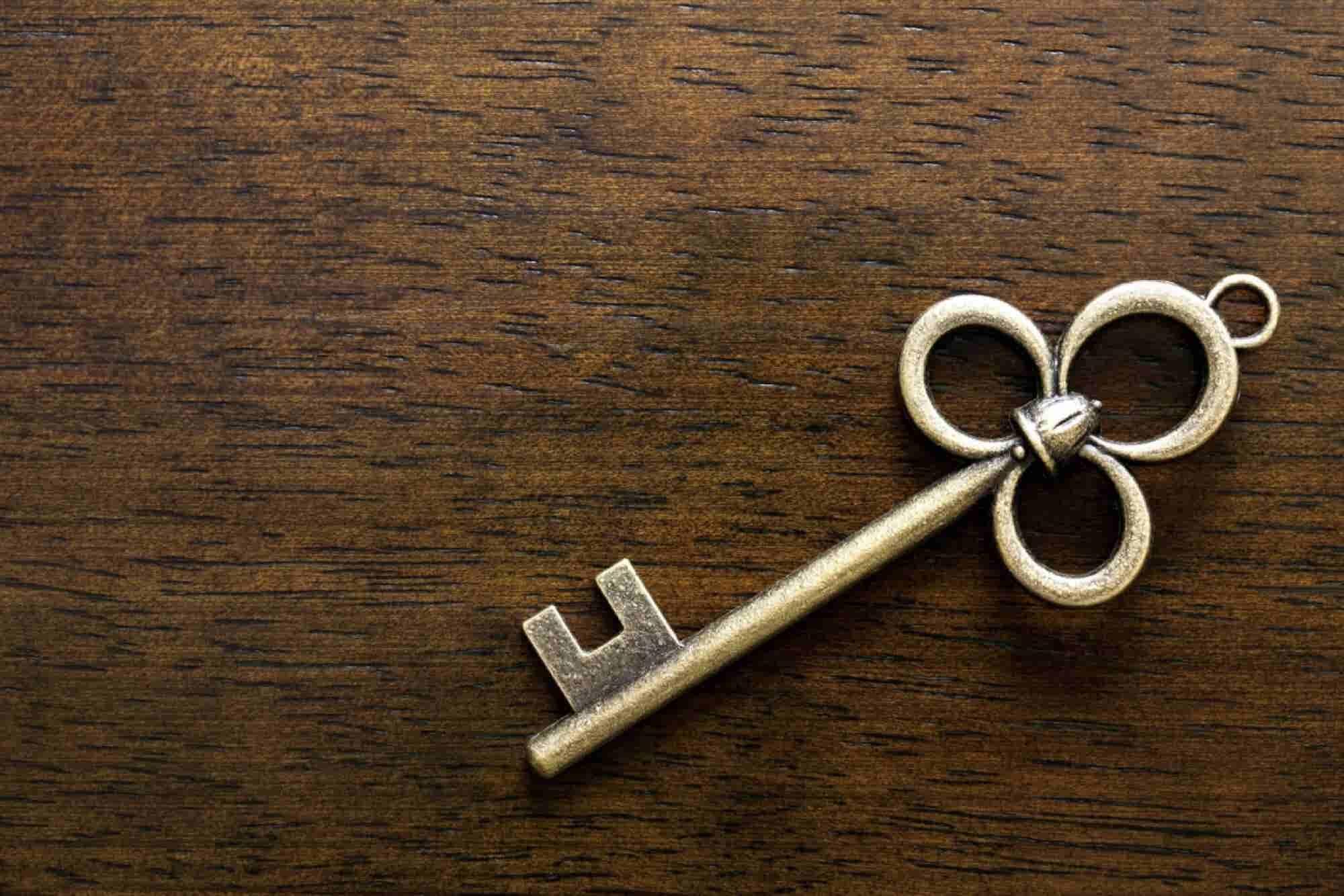 """Las 5 """"llaves"""" de la etiqueta empresarial para ganar socios y clientes"""
