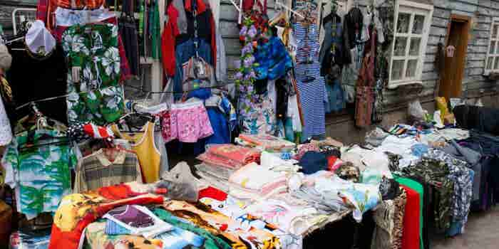 Vende ropa de segunda mano con descuento de hasta 80%