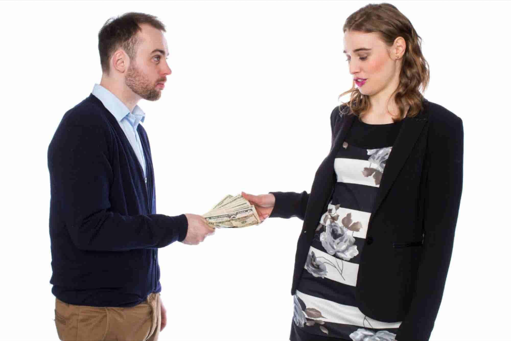Cómo prestar dinero a familia o amigos (sin dejar de hablarles)