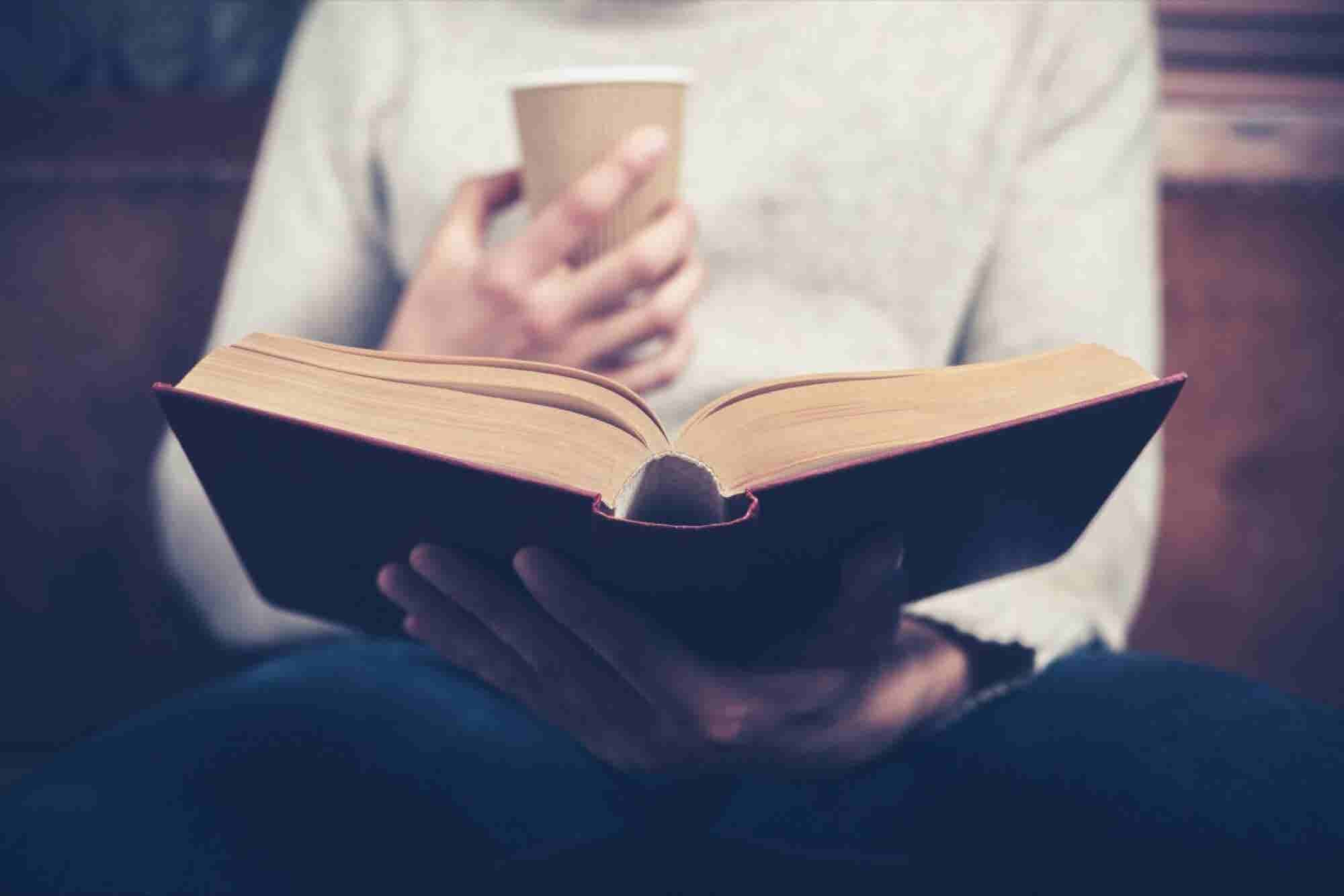 32 Entrepreneurs Share the Books They Always Recommend