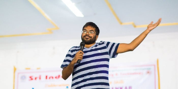 How This Entrepreneur Smashed a Six in Indian Start-up Networking