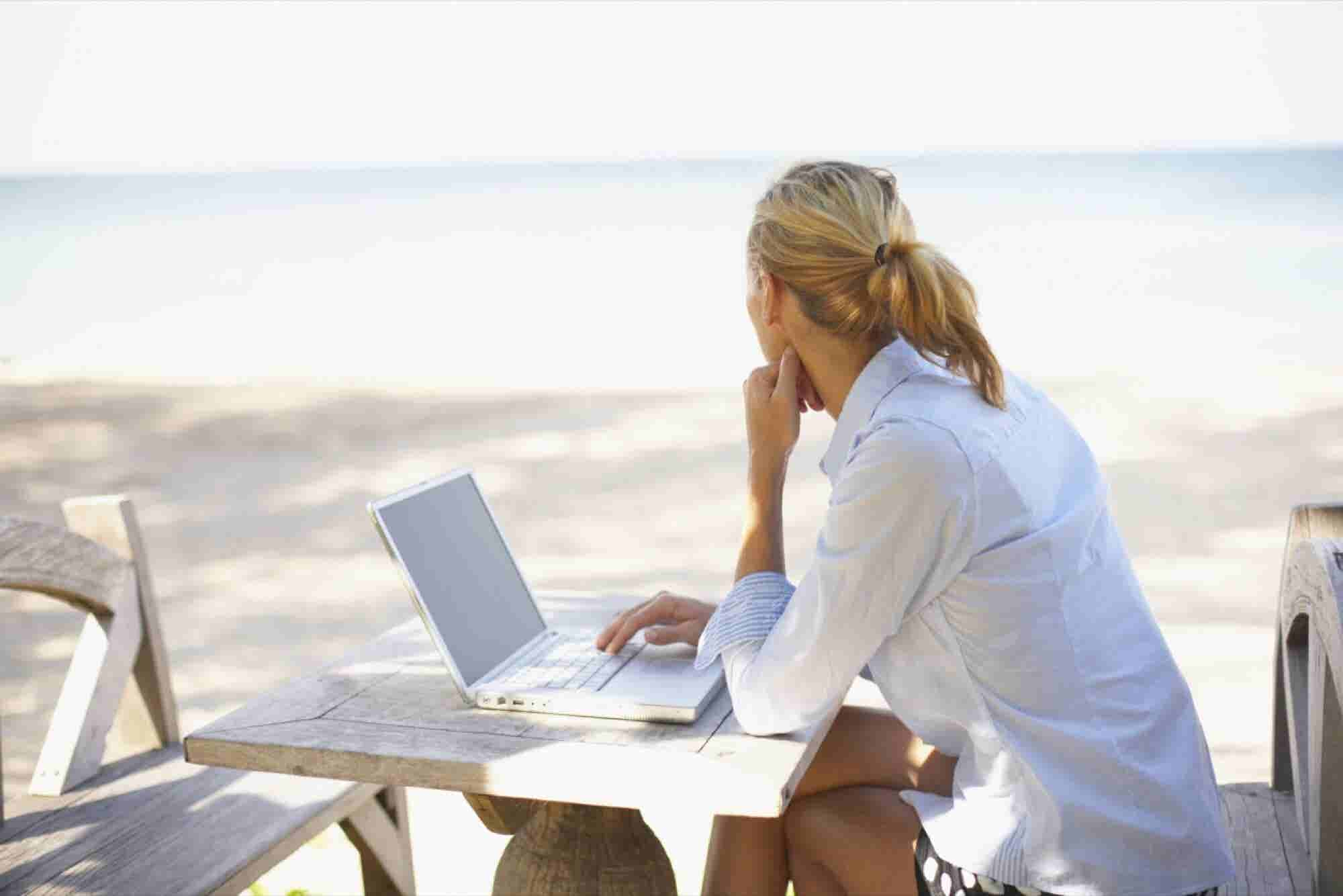 Why Work Only From Home? Here Are 17 Jobs You Can Do From Anywhere in...