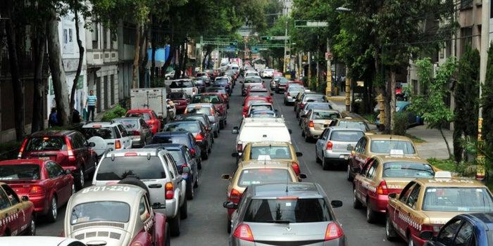 Las ciudades con más congestiones de tráfico en el mundo (según los GPS)