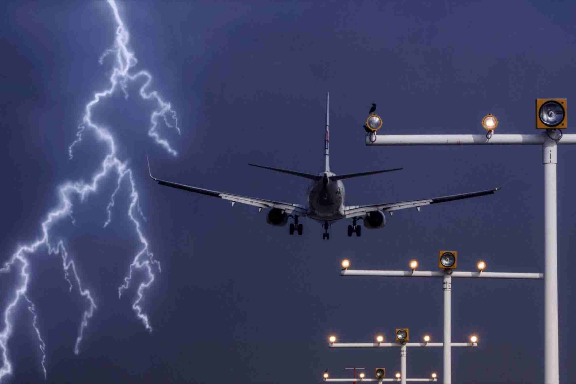 10 Things You Need To Do If You're Flying In Bad Weather