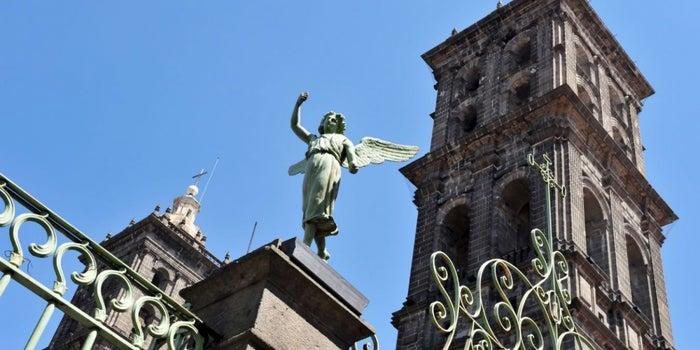 El turismo mexicano sigue de pie y operando