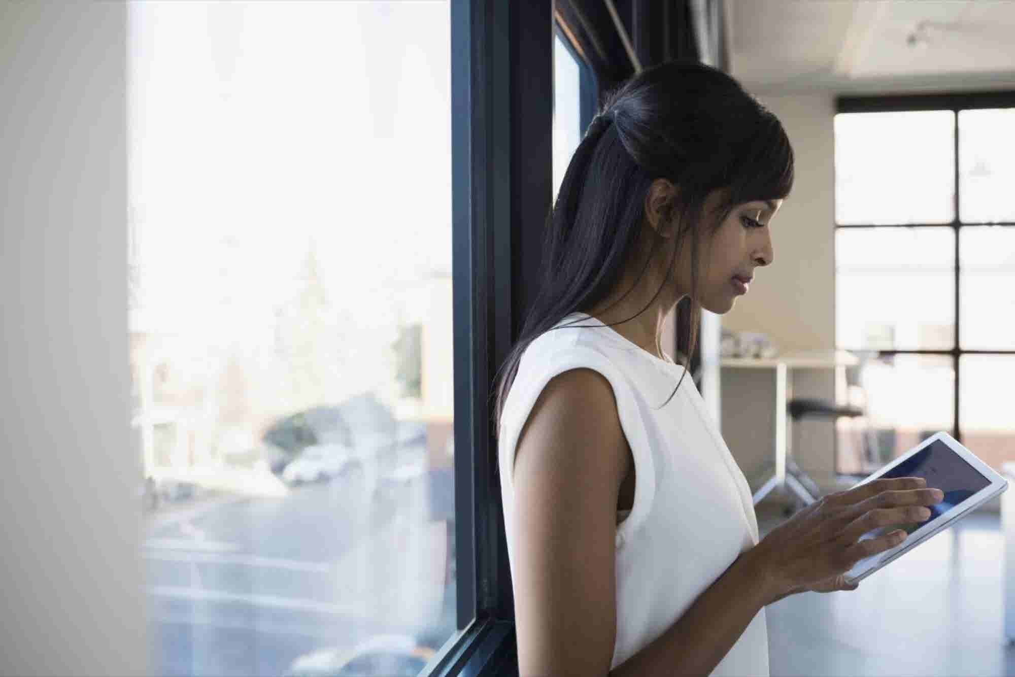 4 Must-Follow Tips for Moonlighting as an Entrepreneur