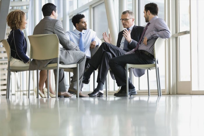 10 Powerful Business Networking Skills to Build Rapport Quickly