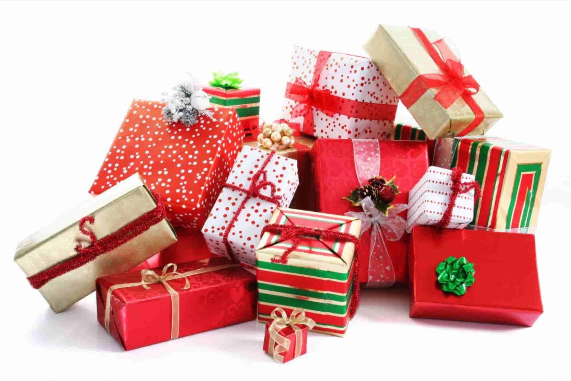 Abre un servicio de envoltura de regalos en diciembre