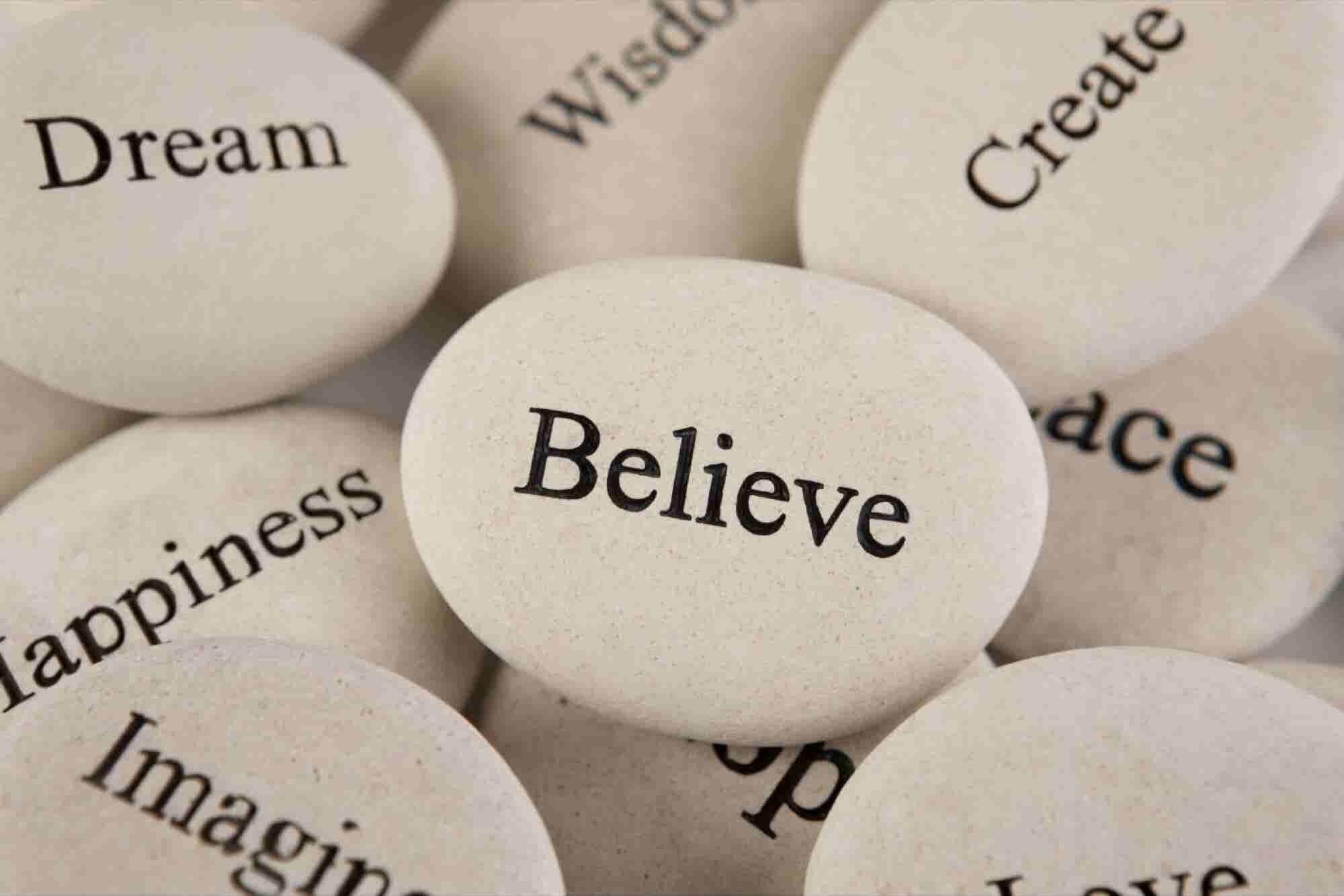 ¿Tus creencias personales le impiden progresar a tu empresa?