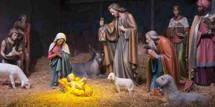 Negocios decembrinos: Elaboración de Nacimientos de Navidad