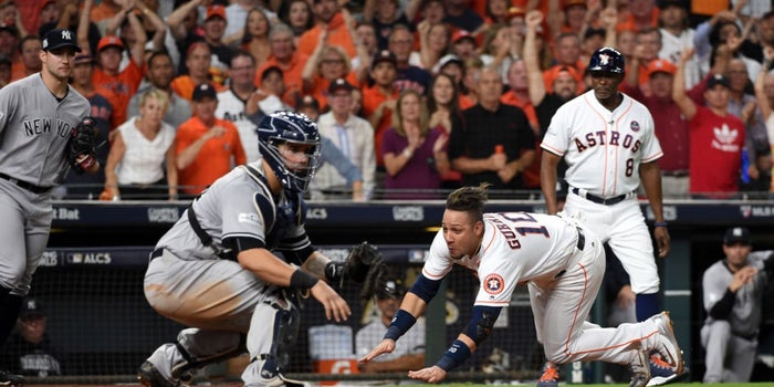 What the Baseball Playoffs Can Teach Entrepreneurs About Fan Engagement