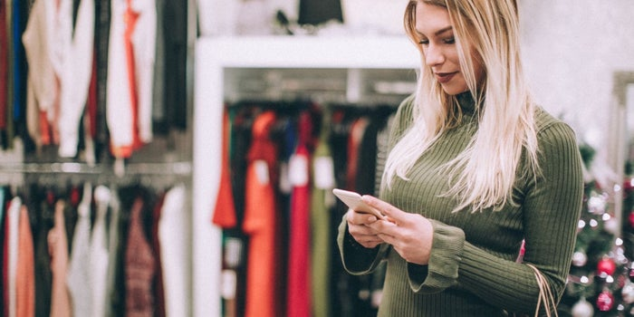 How to Boost In-Store Holiday Purchases With Paid Search