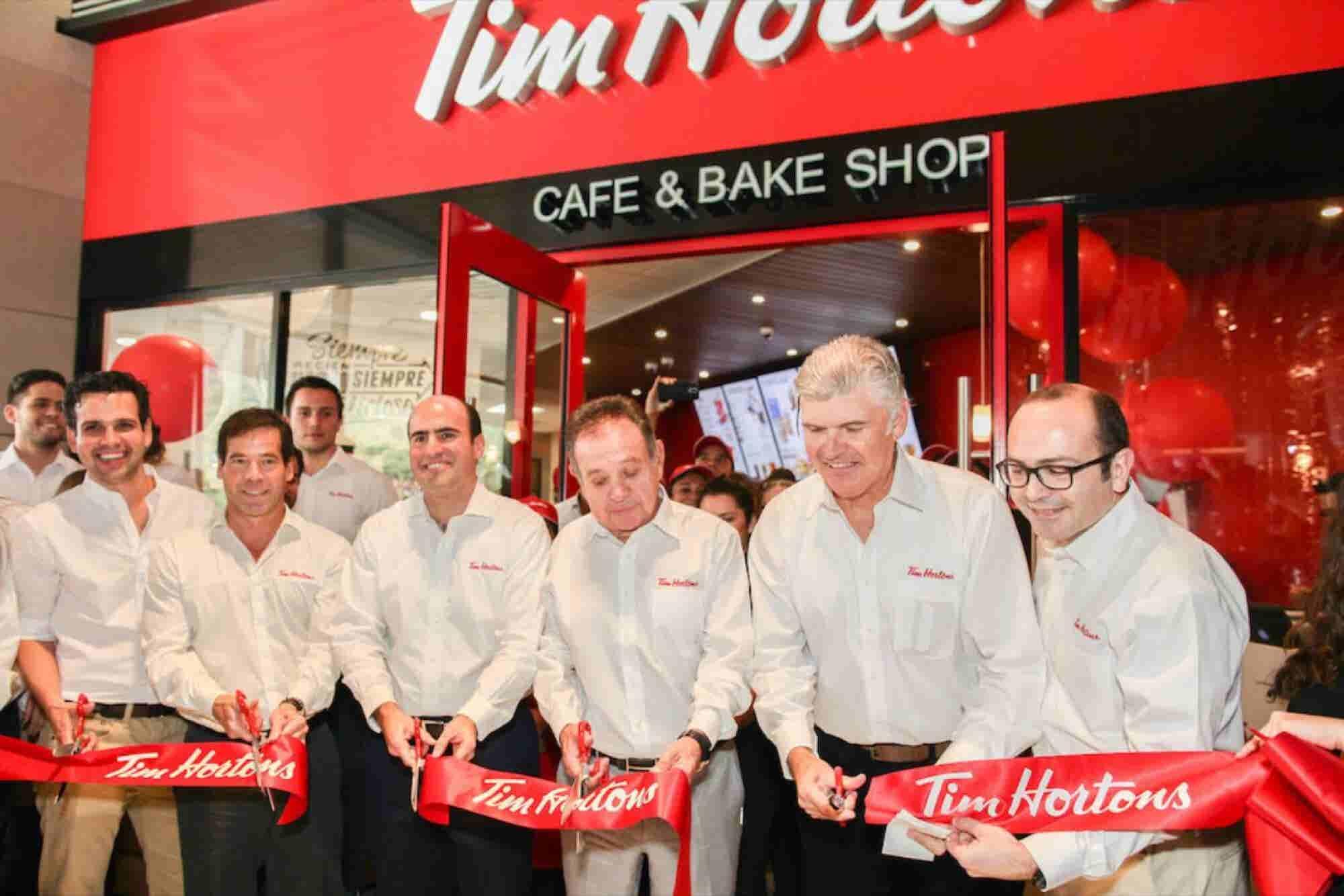 Tim Hortons abre en Monterrey y causa euforia entre los consumidores