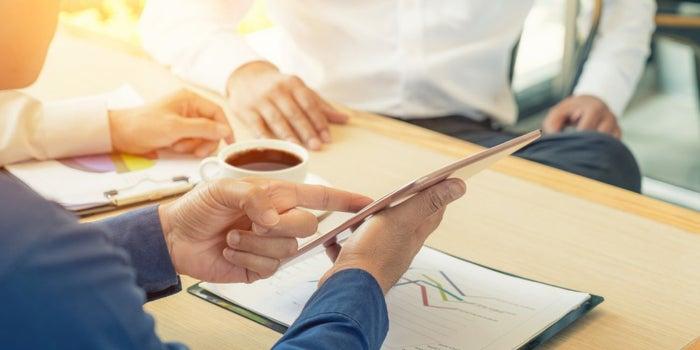 5 Keys to Closing Far Bigger Deals at Massive Companies