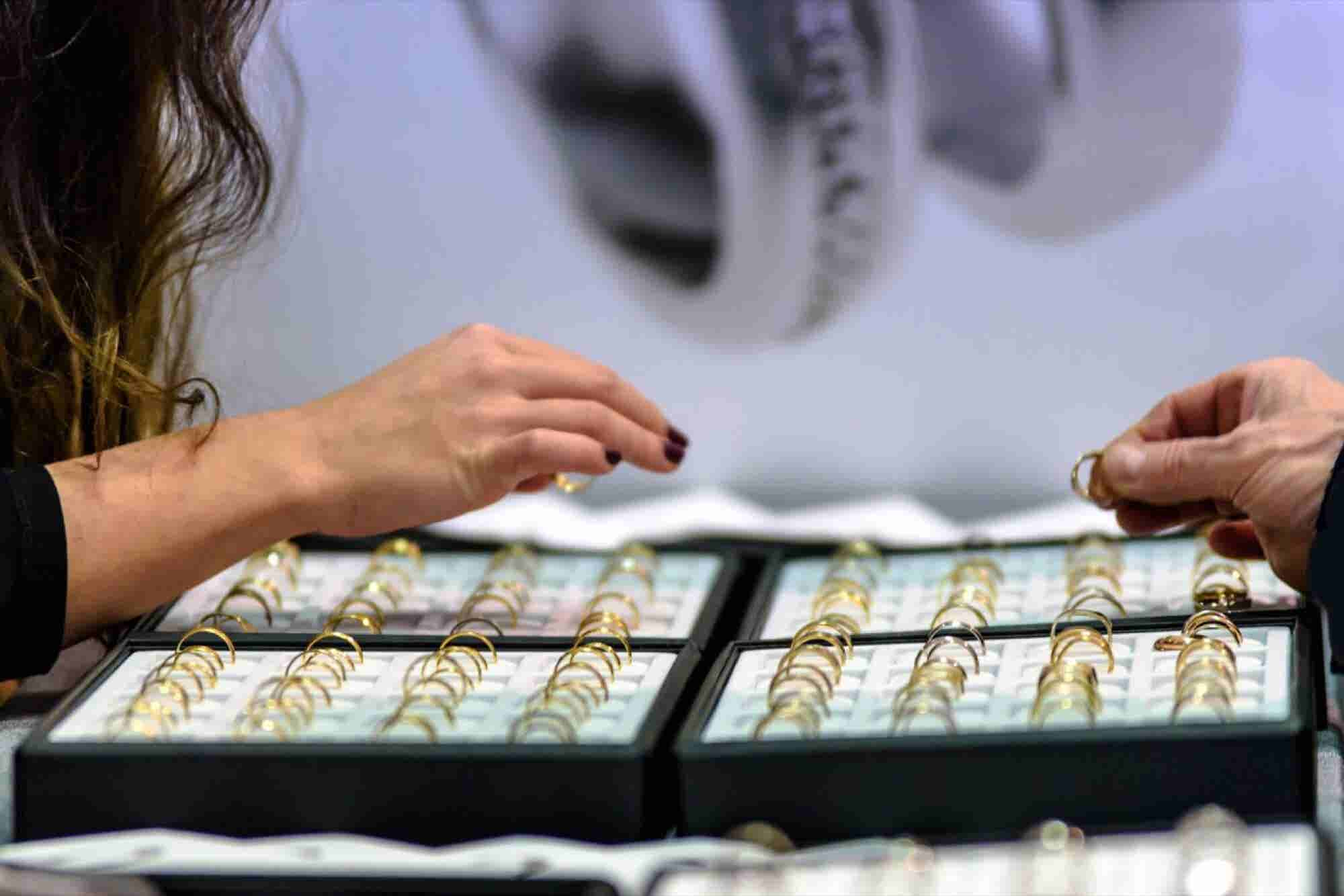 #7 Ways Technology Is Redefining The Jewellery Industry In India