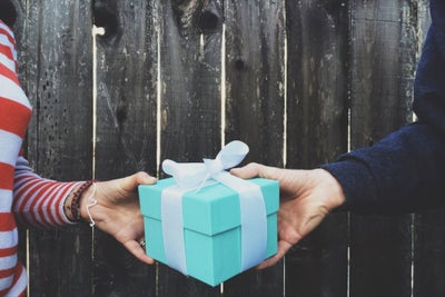 Want People to Remember Your Gift This Holiday Season? Follow These 10...