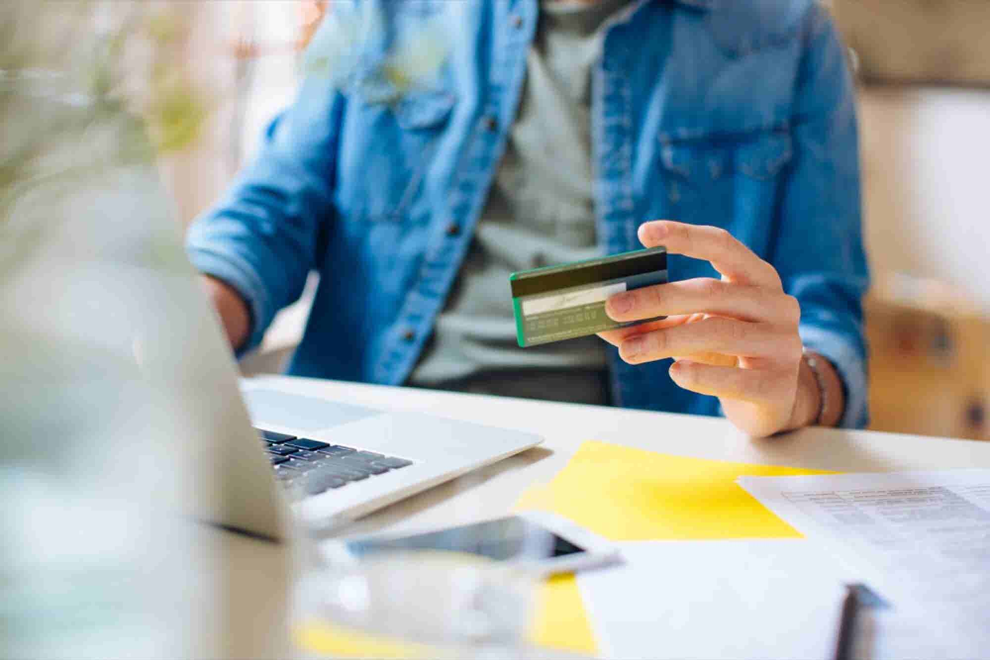 To Succeed in 2018, Ecommerce Entrepreneurs Must Focus on This One Change