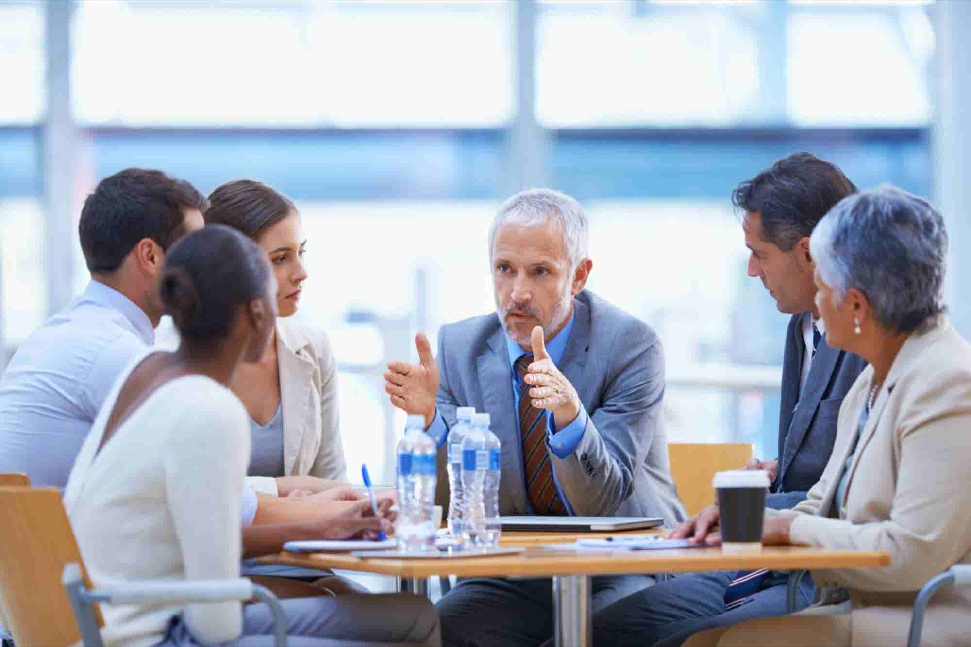 6 Things Leaders Do to Set Themselves Apart From the Pack