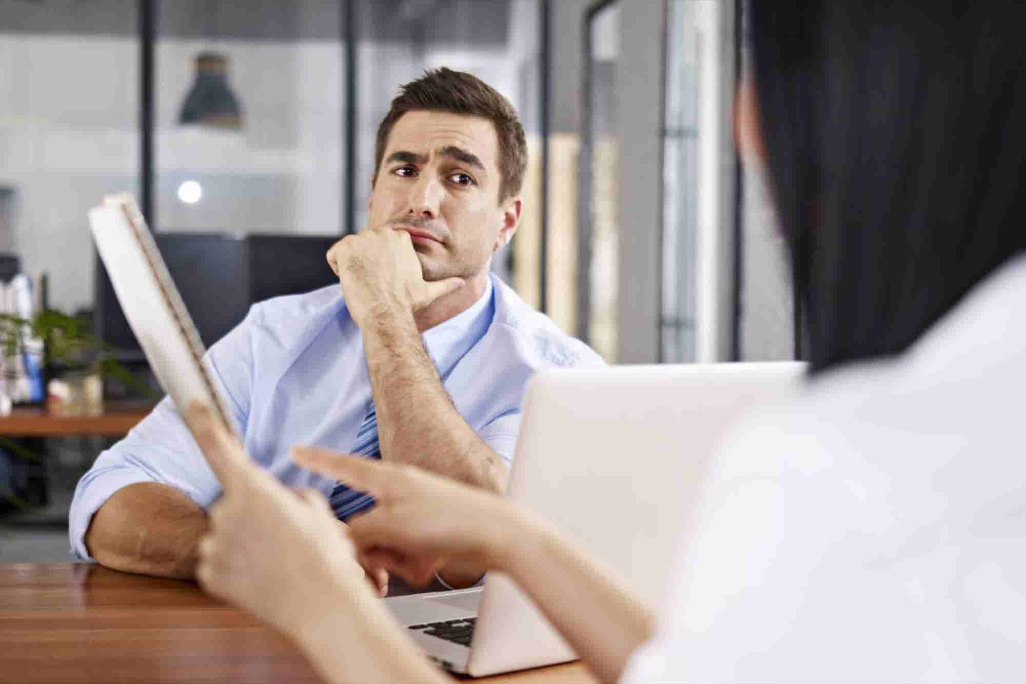 7 Red Flags Warning You to Turn Down That Job Offer