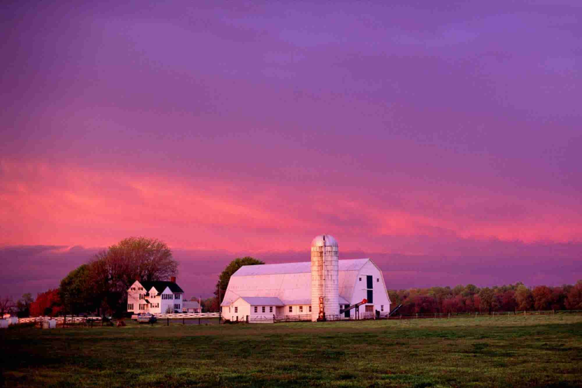 Love the Boonies! 5 Tips for Recruiting Top Talent for a Rural Location