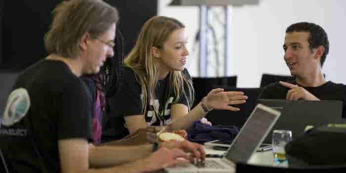 4 herramientas clave para la gestión de proyectos en línea y el trabajo remoto
